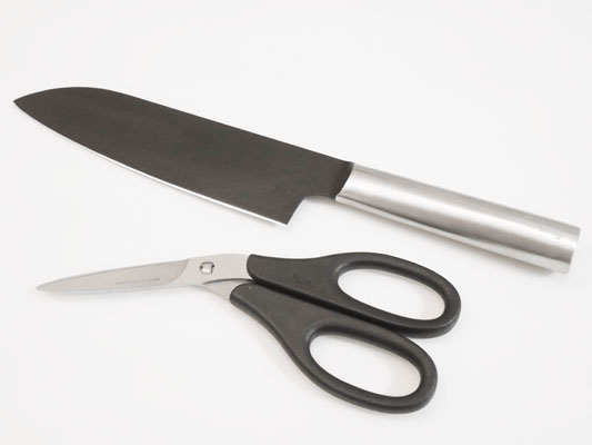 remy「クロの包丁「ナイフなハサミ」口コミ レビュー