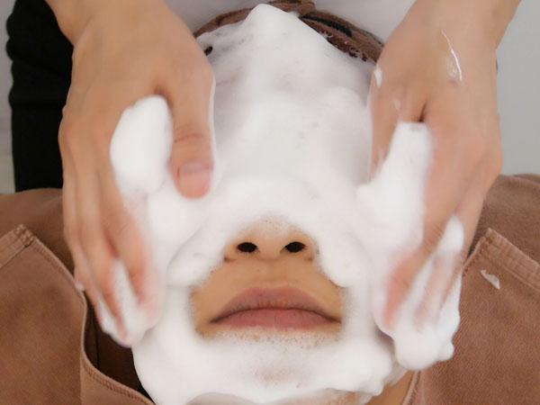 ポアレスラボ 毛穴エステ 洗顔