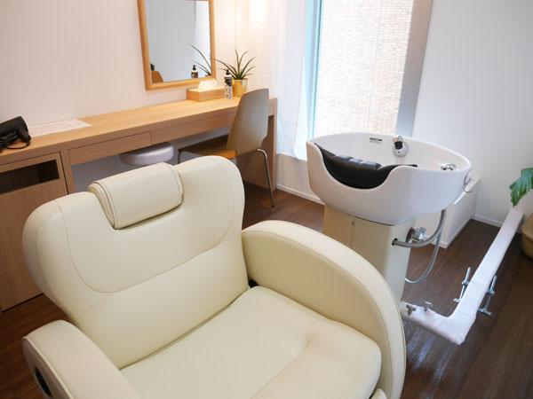 美髪専門サロン RESALON 表参道 完全個室 室内の雰囲気