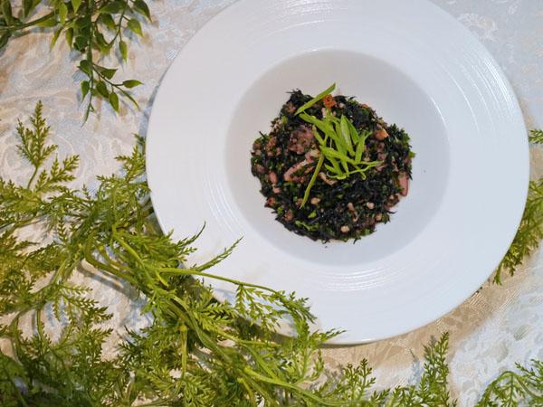 パセリとひじきのサラダ