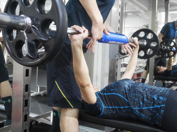 パーソナルトレーニング 筋肉女子