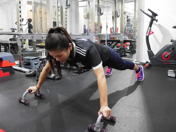 Be-Sty「パーソナルプッシュアップバー」腹筋トレーニング