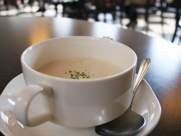 神戸 教会カフェ フロインドリーブ 本店 本日のスープ