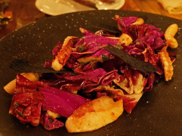 六本木 フレンチ ビストロチック 六本木店 紫キャベツとイカのサラダ