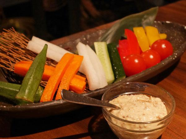 中目黒 焼肉 志方 肉屋さんの野菜スティック