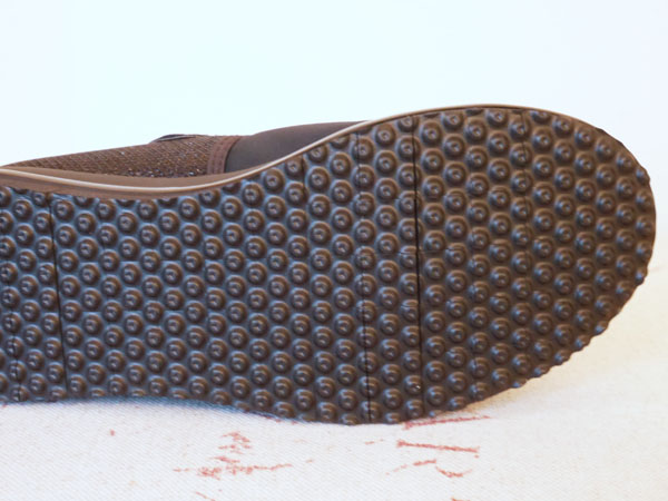 ヌーディーウォークパンプススニーカー 靴底