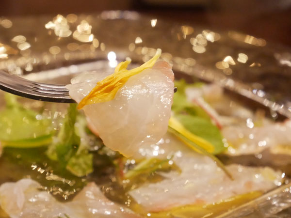 新橋 イタリアン マルサラ by 三笠バル 鮮魚のカルパッチョ