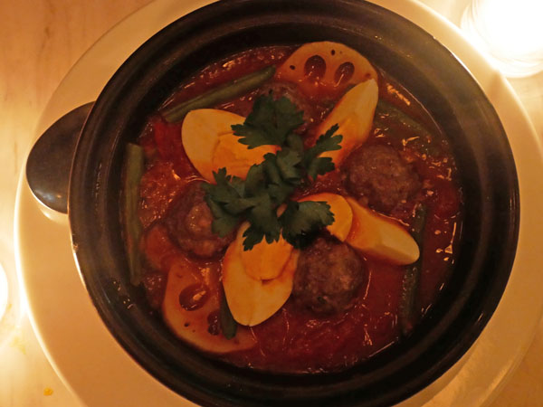恵比寿 CAFE GITANE(カフェ ジタン)ラム肉のミートボールと卵のタジン鍋
