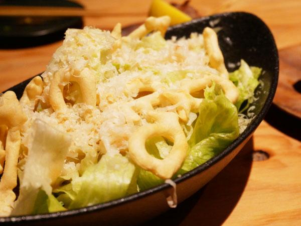 渋谷で博多串焼き・野菜巻き串「どげんね」ズワイガニのシーザーサラダ