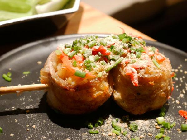 渋谷で博多串焼き・野菜巻き串「どげんね」豚骨ラーメン