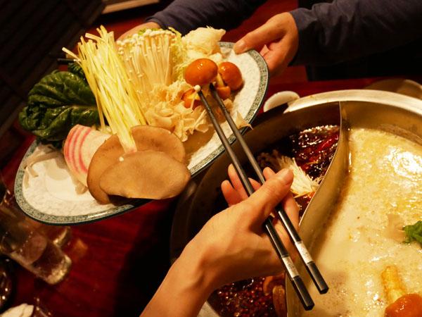 白金高輪 火鍋 三田 正宗四川二色火鍋コース 野菜