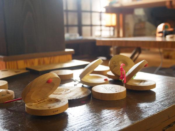 群馬県みなかみ町 森の恵みと学びの家 手作りカスタネット
