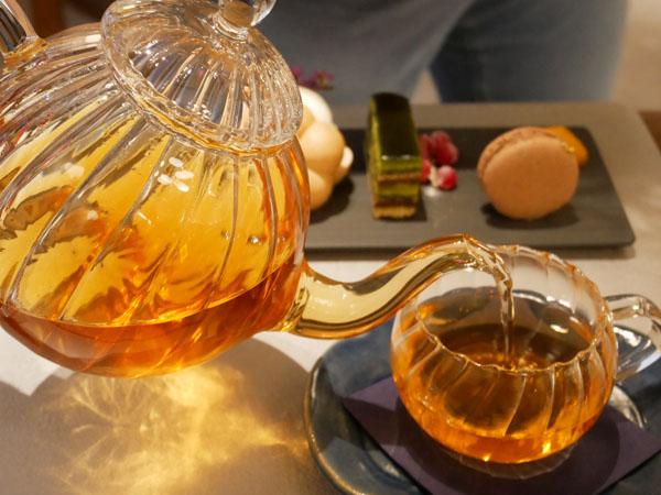 神戸市立博物館 カフェ トゥーストゥース凸凹茶房 焙じレモングラス