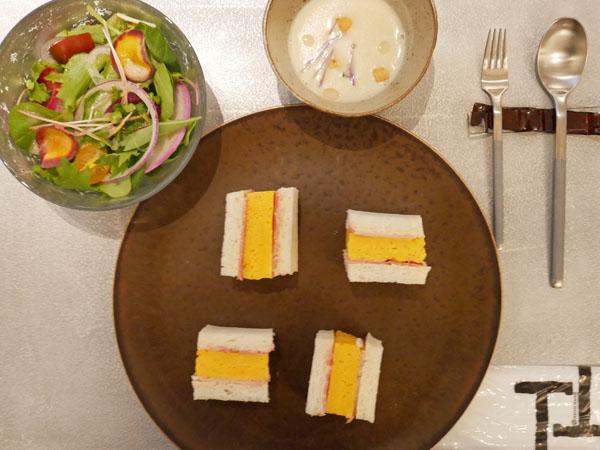 神戸市立博物館 カフェ トゥーストゥース凸凹茶房 神戸ポークのハムと厚焼きたまごサンドセット