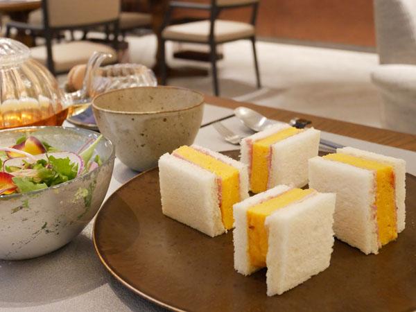 神戸市立博物館 カフェ トゥーストゥース凸凹茶房 神戸ポークのハムと厚焼きたまごサンド