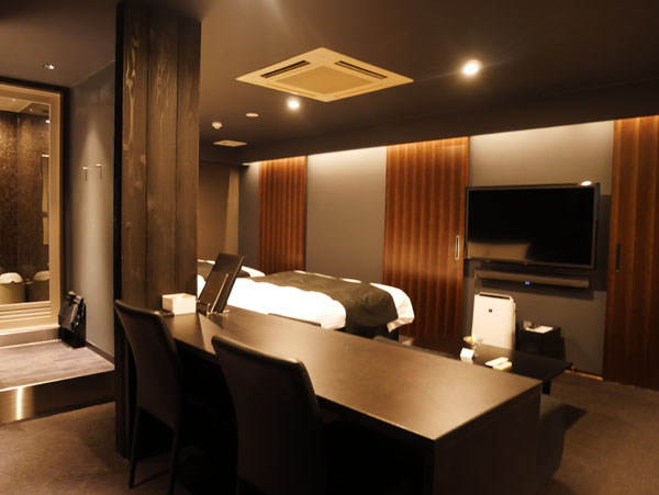 HOTEL THE Grandee(ホテル ザ グランデ)心斎橋 宿泊レポート 武田双雲ルーム