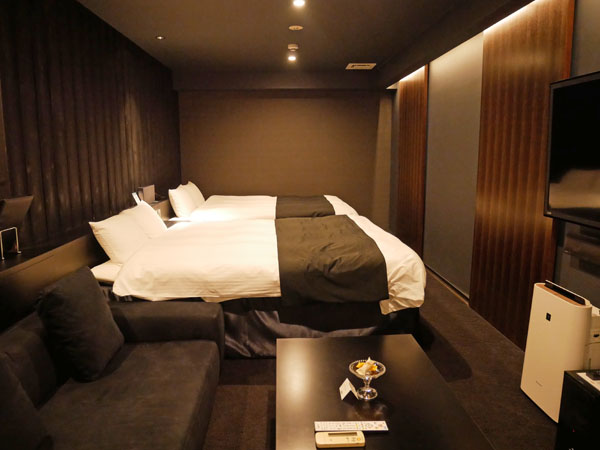 HOTEL THE Grandee(ホテル ザ グランデ)心斎橋 宿泊レポート ソファーが最高