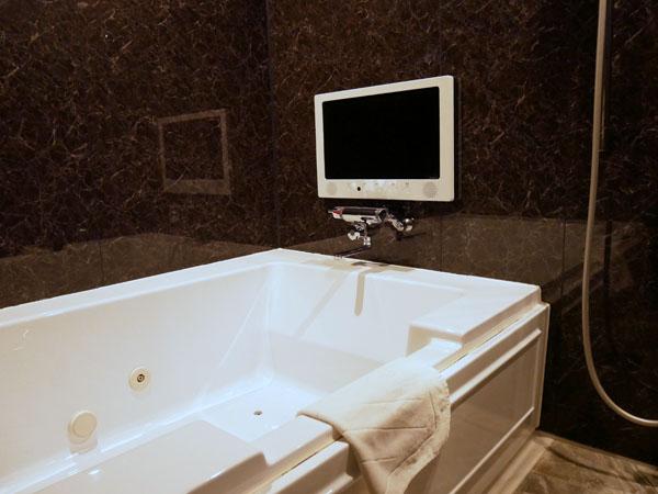 HOTEL THE Grandee(ホテル ザ グランデ)心斎橋 宿泊レポート 武田双雲ルーム お風呂