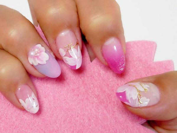 桜の花ネイル