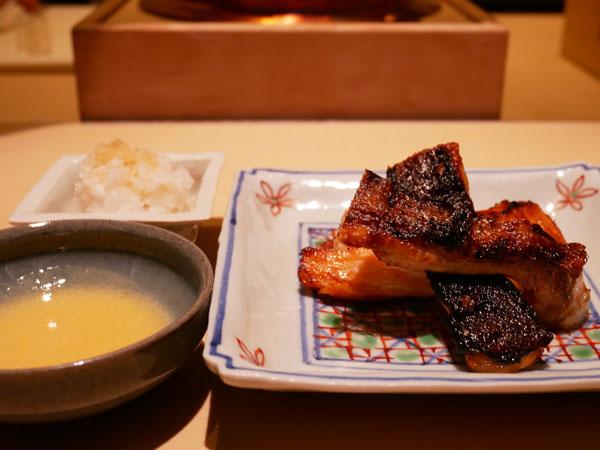 銀座 和食 結絆(ゆいな) 日本一の朝ごはん 時鮭の炭火焼き